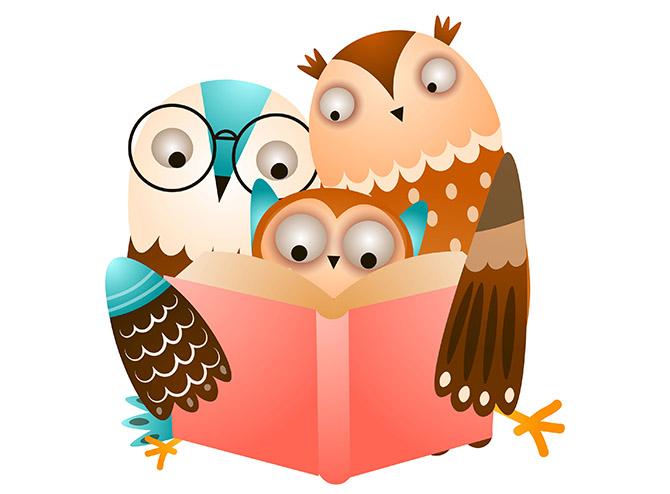 familie uil leest samen in een boek